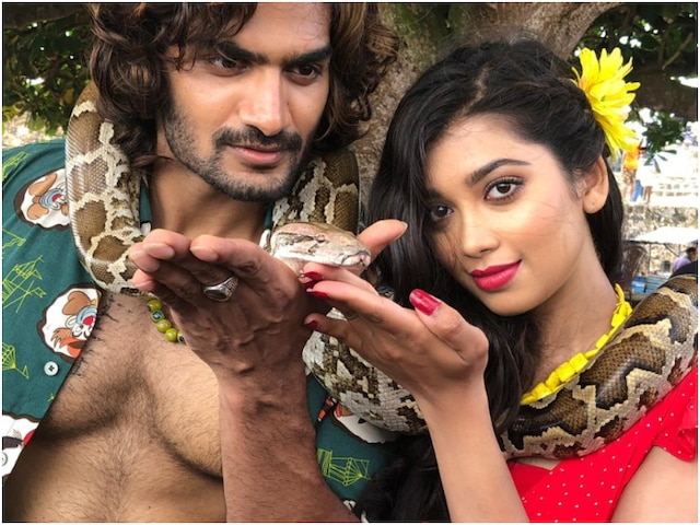 PICS- Veera fame Digangana Suryavanshi gets snake-choked while shooting for her film Hippi in Sri Lanka
