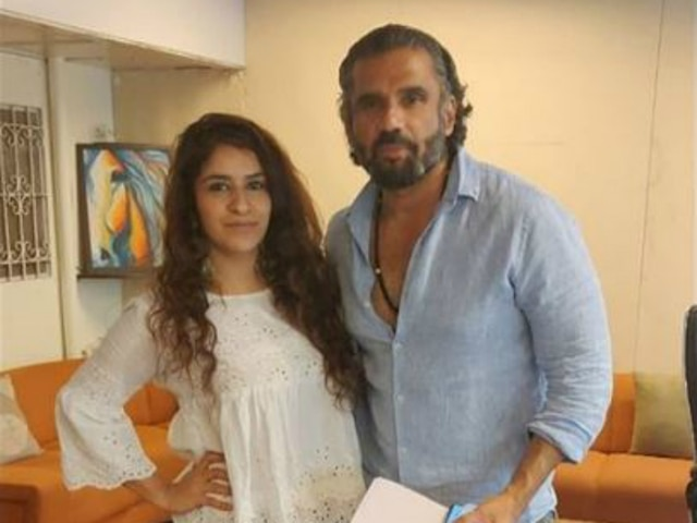 'Bigg Boss 12' & 'Roadies Xtreme' fame Surbhi Rana bags a project with Suniel Shetty!