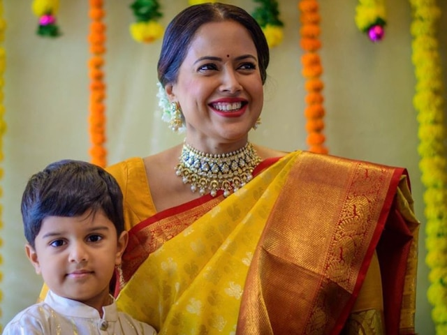 Pregnant Sameera Reddy shares ADORABLE photo with son Hans Varde from her baby shower ceremony, see PIC