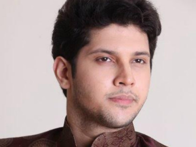 Kasautii Zindagii Kay: 'Kawach 2' actor Aditya Deshmukh to enter as Parth Samthaan aka Anurag's lawyer in Star Plus show! See PIC!