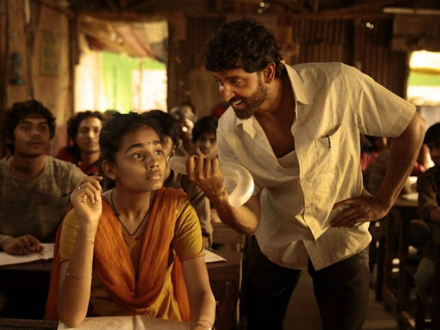 'Super 30' actor Hrithik Roshan captures the hardships of Anand Kumar's life with utmost perfection in the film