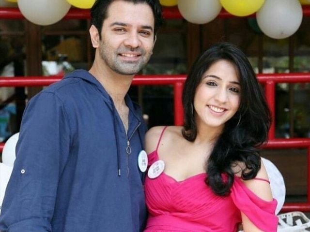 Iss Pyaar Ko Kya Naam Doon Actor Barun Sobti & Wife Pashmeen Manchanda BLESSED With A Baby Girl