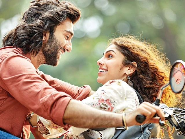 Malaal Movie REVIEW: Strong performances elevate this love story featuring Meezaan & Sharmin Segal