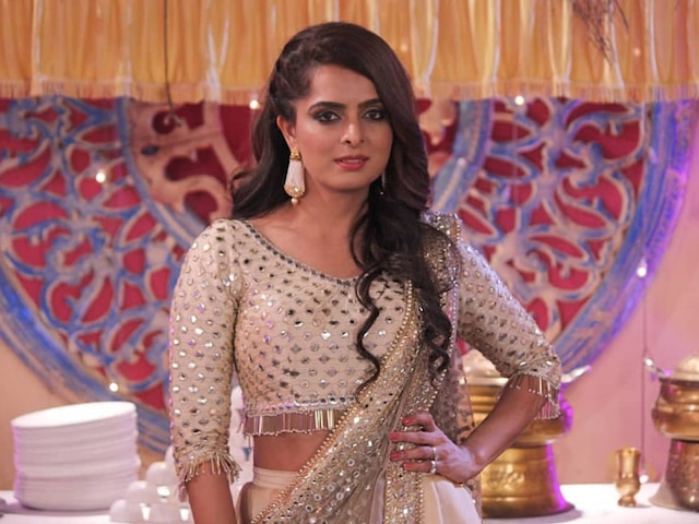 Kundali Bhagya's Sherlyn Aka Ruhi Chaturvedi To Get Engaged To Shivendraa Om Saainiyol On August 17