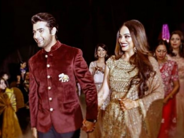 'Miskaan' Actor Sharad Malhotra Shares A Gorgeous Picture With Wife Ripci Bhatia As They Complete Three Months Of Marriage!