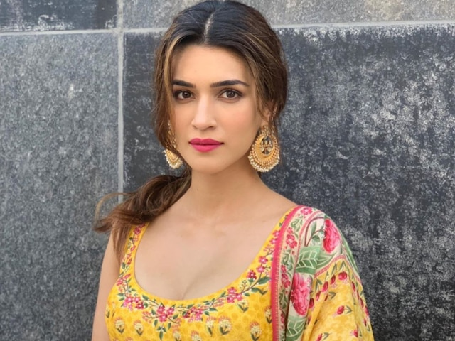 Netizens Trend #MeriKritiKaBirthday As Birthday Wishes Pour In For 'Arjun Patiala' Actress Kriti Sanon