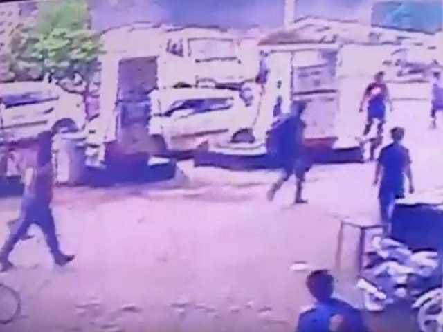 2 Delhi University Students Killed As Birthday Joyride Ends In Disaster; Watch Video