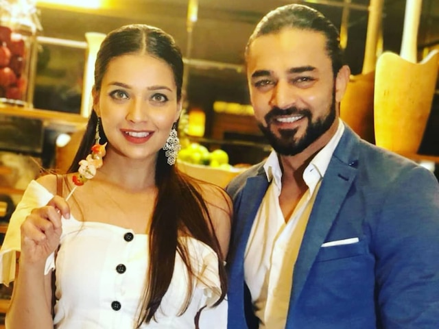 Mohit Abrol ACCUSES EX-Girlfriend Mansi Srivastava Of Cheating, See His Facebook Post!