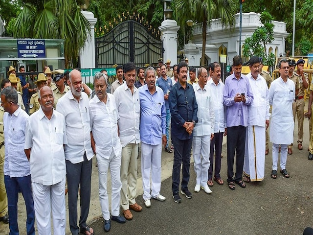 14 Disqualified Rebel Congress-JDS MLAs Move SC Against Disqualification
