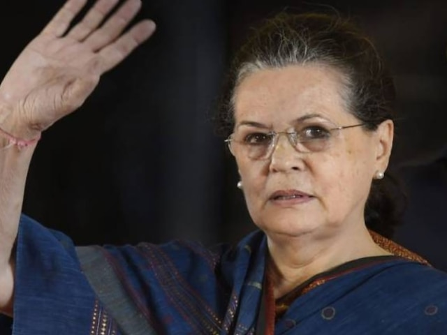 Sonia Gandhi Meets Maharashtra Congress Chief, Discusses Resignations