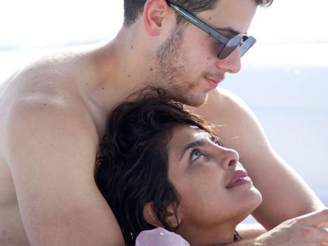 Nick Jonas Hits Back At Trolls Who Say Wife Priyanka Chopra Doesn't Know His Age In The Most EPIC Manner!