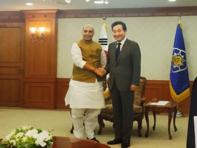Defence Minister Rajnath Singh Meets South Korean PM Lee Nak-Yon, Discusses Strategic Ties