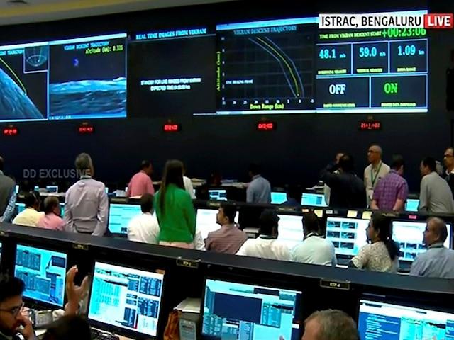 Chandrayaan 2: ISRO' Moon Mission Is Still Far From Flop; Orbiter Experiments Still Underway