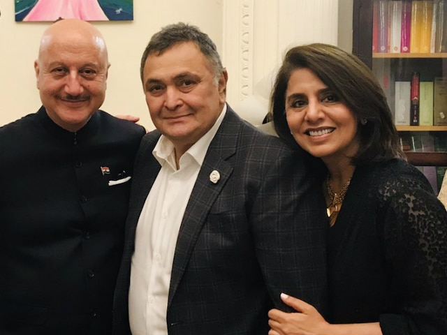 Rishi Kapoor Finally Heads Home After Treatment In New York