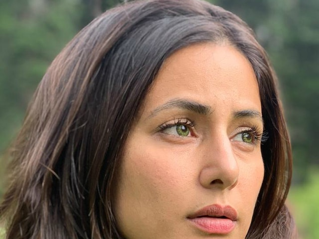 First Look of Hina Khan as a Blind Girl In 'Country Of Blind', A Indo-Hollywood Film!