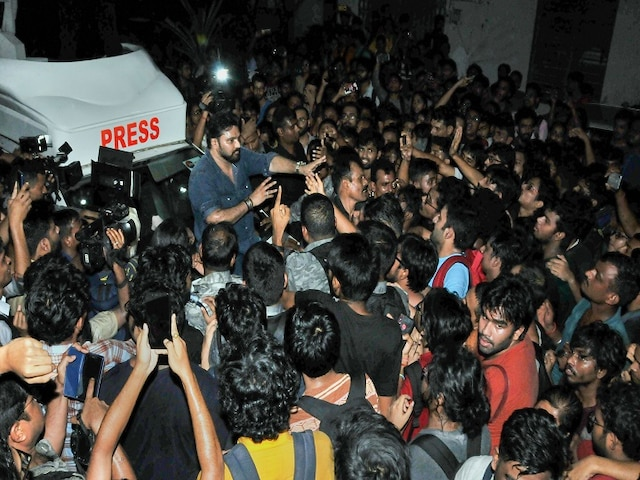 Babul Supriyo Trashed By Jadavpur University Protesting Students In Kolkata