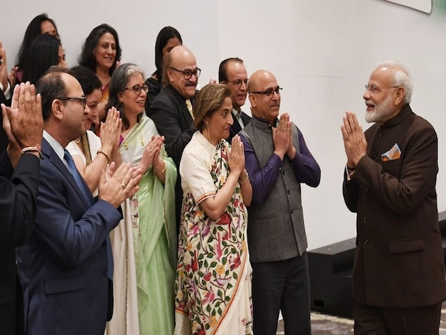 PM Modi Meets Kashmiri Pandits In Houston Ahead Of Howdy Modi Event; Says 'You've Suffered A Lot'