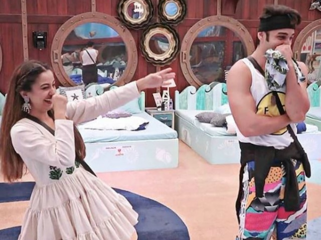 'Bigg Boss 12' Fame Rohit Suchanti Wishes Co-Contestant Srishty Rode On Her Birthday With Adorable Picture & Message!