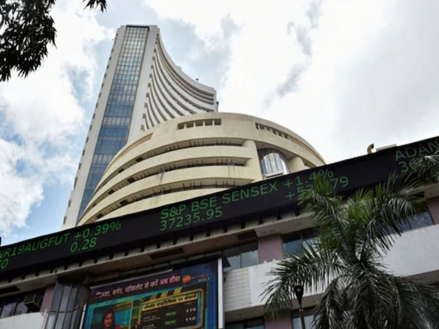 Sensex Tanks Over 300 Points; Nifty Tests 11,500