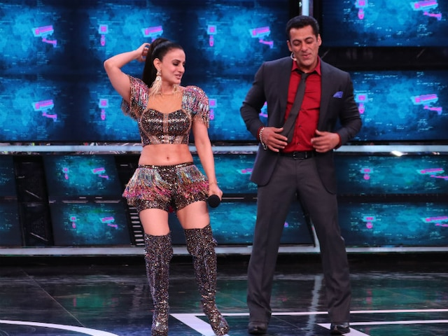 'Bigg Boss 13' Premiere: Salman Khan & Ameesha Patel Relive Their 'Yeh hai Jalwa' Days! PICS & VIDEO!