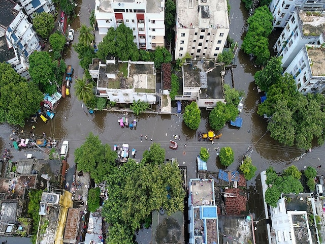 Bihar Floods: Water-Logging Woes Continue To Trouble Patna Even As Downpour Ceases; Operations Underway