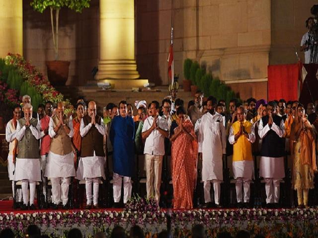 First Cabinet Reshuffle Of Modi 2.0: Suresh Prabhu May Be Back, Sitharaman Likely To Retain Finance