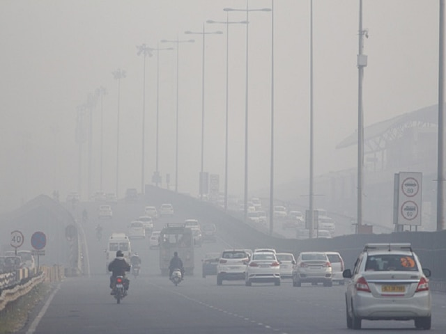 Delhi Air Quality Remains 'Poor' Due To Stubble Burning Spike; Likely To Turn 'Very Poor' On Sunday