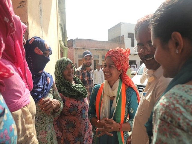 Haryana Elections 2019: BJP Candidate, Acclaimed Wrestler Babita Phogat Loses From Dadri Assembly Seat