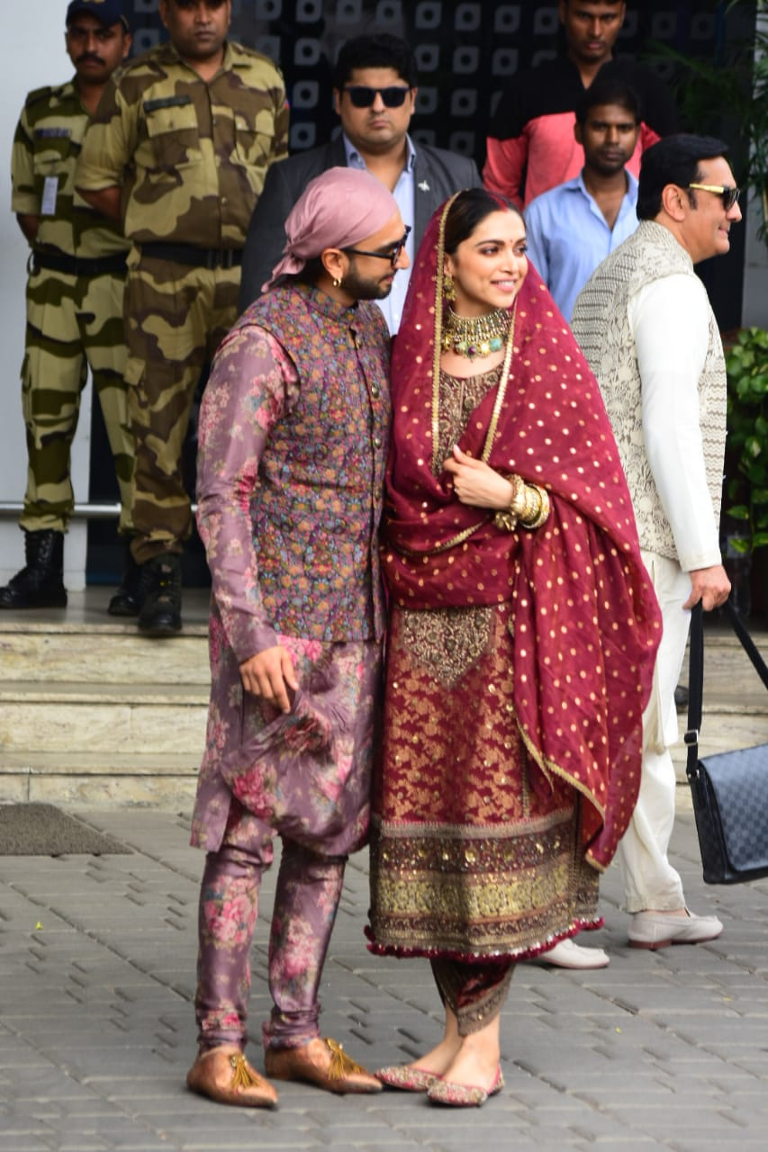 Deepika Padukone & Ranveer Singh Return Back To Mumbai ...