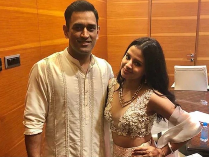 Sakshi Reacts On MS Dhoni's Retirement Rumours