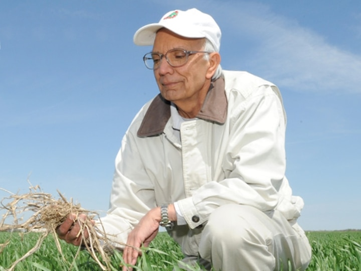 Indian-American Soil Scientist Rattan Lal Receives 2020 World Food Prize