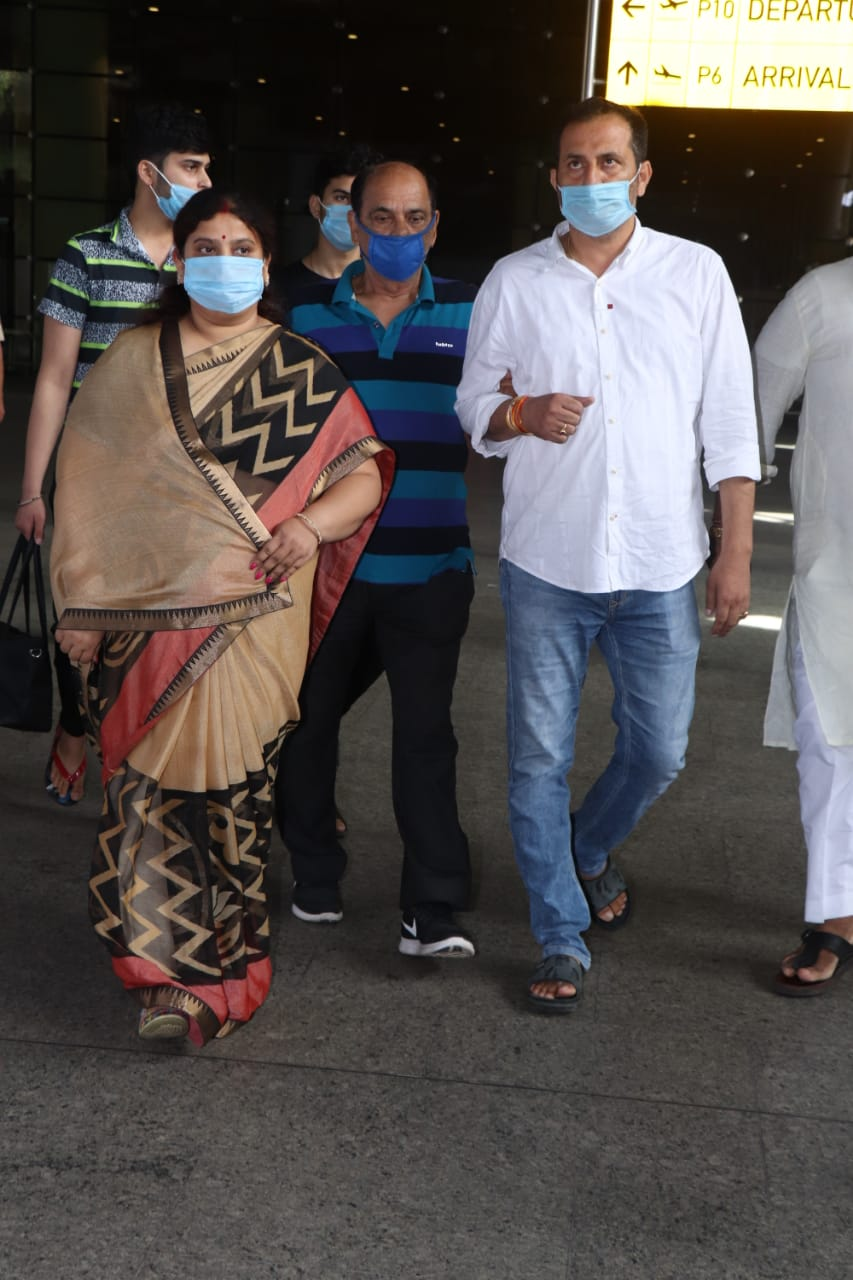 Sushant Singh Rajput Funeral: Actor's Father Arrives In Mumbai ...