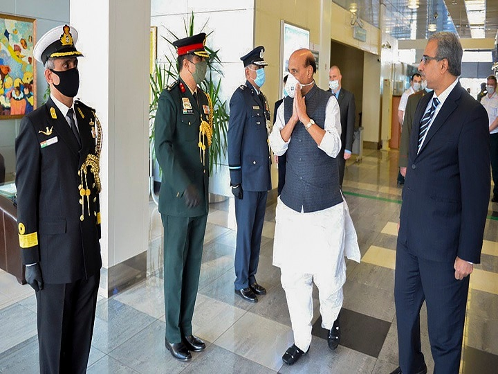 Ladakh Standoff: Defence Minister Rajnath Singh Won't Meet His Chinese Counterpart During Russia Visit