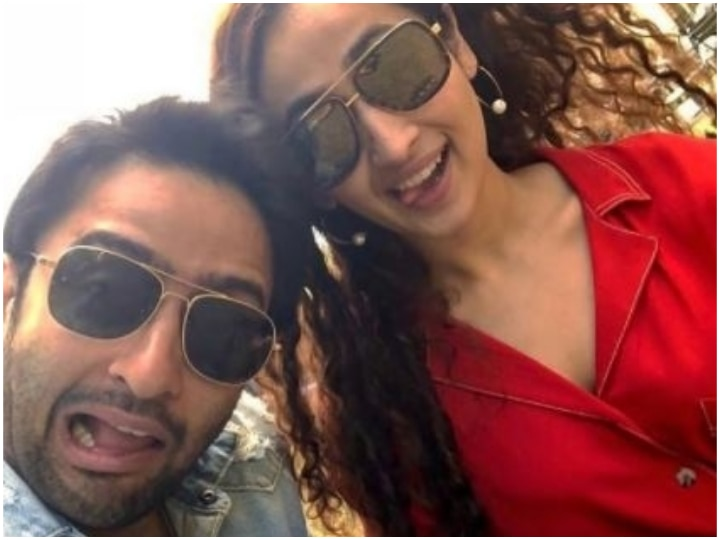 TV Actor Shaheer Sheikh Marries Girlfriend Ruchikaa Kapoor, Couple Opts For Court Marriage Due To Covid Pandemic!