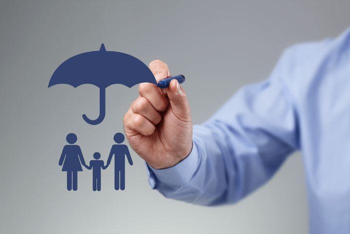 Life Insurance लेते वक्त रखें इन 4 बातों का ध्यान, मिलेंगे कई फायदे