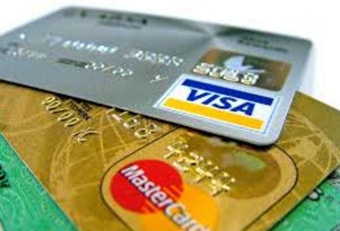 त्योहारों में क्रेडिट कार्ड से करें खरीदारी, ऐसे पा सकते हैं शानदार ऑफर्स के जरिए फायदा