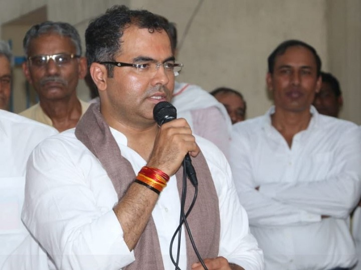 Corona crisis: BJP said- Government is not in favor of making one's personal property as government property ANN