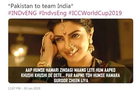INDvsENG: मैच हारा भारत, लेकिन सोशल मीडिया पर उड़ा पाकिस्तान का मजाक, देखें मजेदार मीम्स