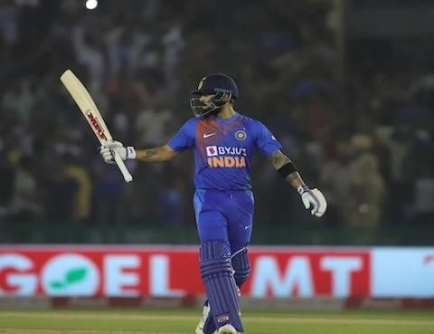अंतरराष्ट्रीय टी-20 क्रिकेट में कौन हैं 5 सबसे बड़े रनों के बादशाह? पढ़ें- तस्वीरों की जुबानी आंकड़े और नाम