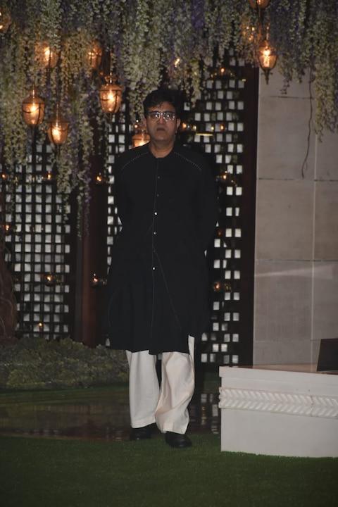 तस्वीरें: मुकेश अंबानी की पार्टी में बॉलीवुड सितारों ने लगाया चार चांद, SRK, एश्वर्या सहित ये बड़े स्टार्स पहुंचे
