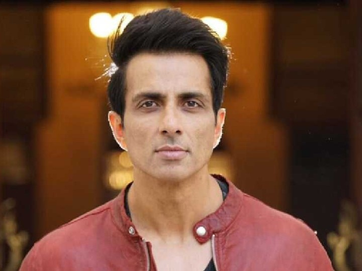 Actor Sonu Sood Helping Laborers Amid Lockdown