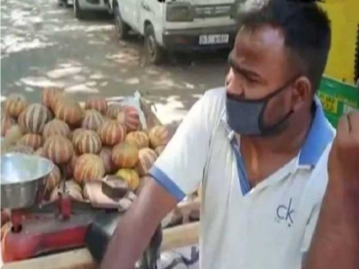 This actor of the movie Dream Girl is selling fruits on the streets in lockdown details inside