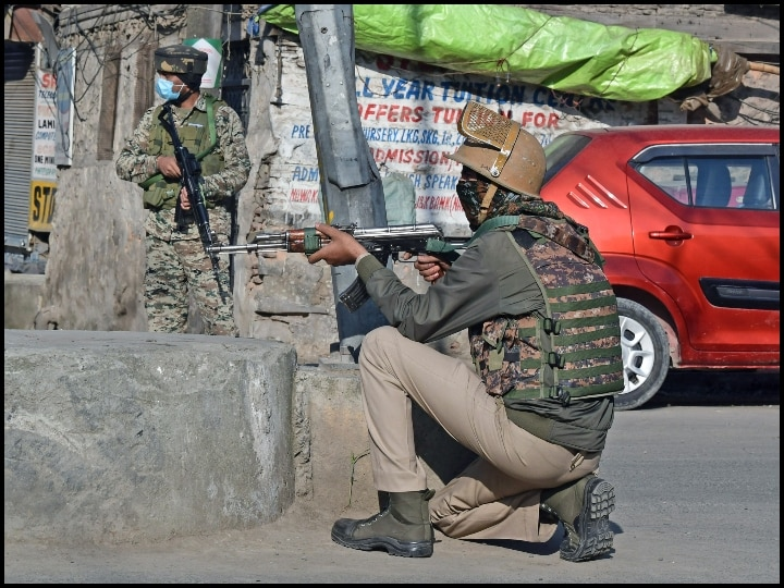 Jammu and Kashmir: encounter between security forces and terrorists in Baramulla, area sealed