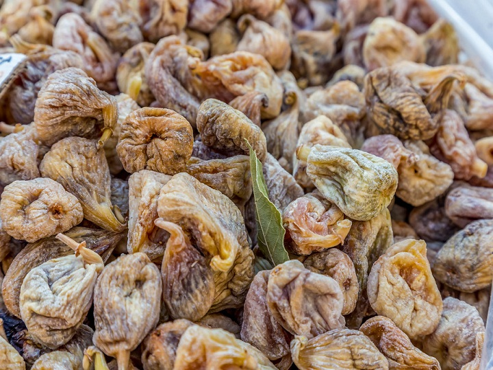 Constipation: Know how to use dried figs (Anjeer) as home remedy for better digestion