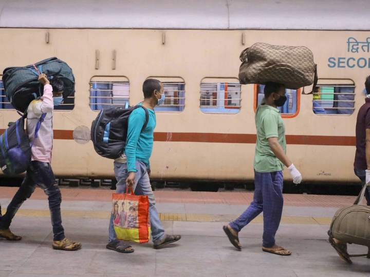Jammu Kashmir 1246 migrant laborers leave for Bihar in special train ANN