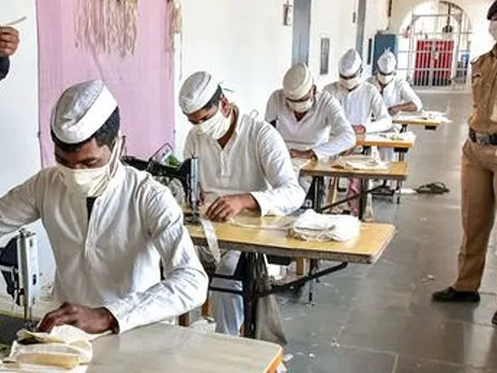 More than 16 lakh 53 thousand masks prepared by prisoner in uttar pradesh jail