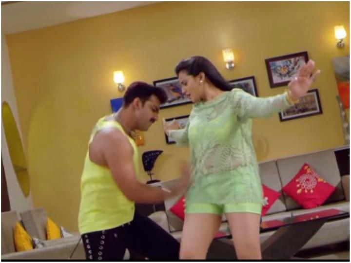 Othlali Me Roti Bor Ke Akshara Singh and Pawan Singh Bhojpuri Song video