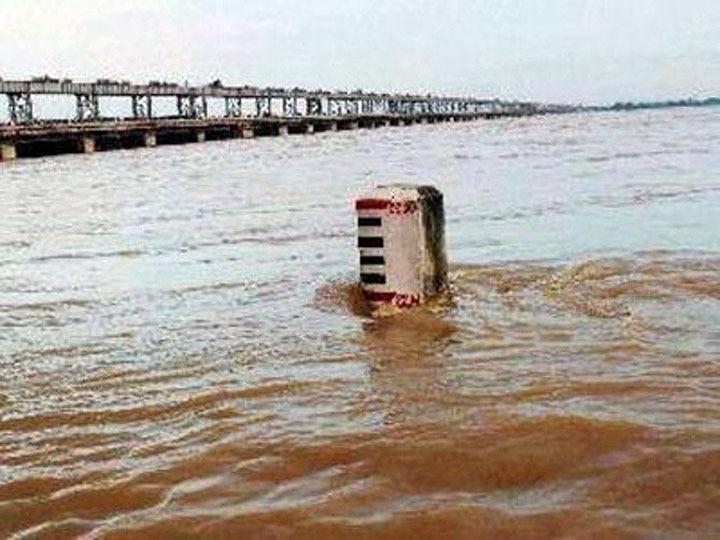 Flood Creating Problems for People in Mau in Uttar Pradesh
