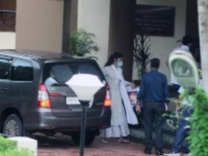 Sushant Singh Rajput Death Case Updates: CBI Questions For Rhea Chakraborty