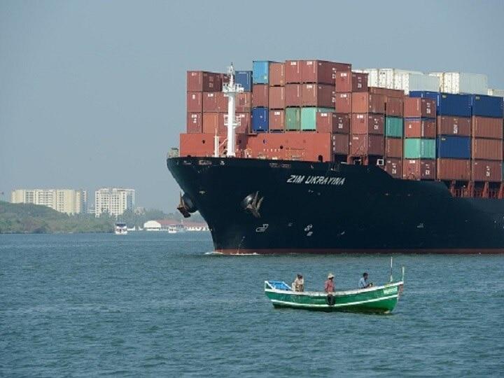 मार्च महीने में निर्यात 58.23 प्रतिशत उछलकर 34 अरब डॉलर रहा, 2020-21 में 7.4 प्रतिशत की गिरावट